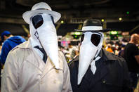 Spy vs Spy cosplayers