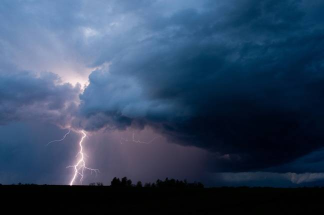 photo image Automated Weather Source didn't see this cloud coming: Amazon snatches up AWS.com
