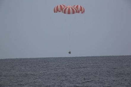 SpaceX Dragon Splashdown (pic: NASA/SpaceX)