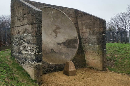Fulwell sound mirror photo by Alun Taylor