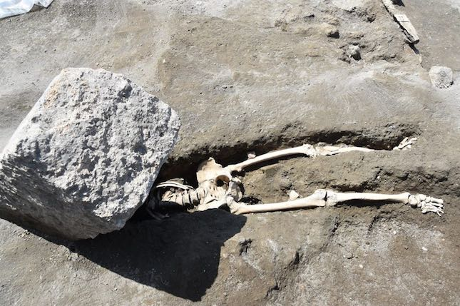 Archaeologists discover unlucky bloke crushed while fleeing Pompeii volcano