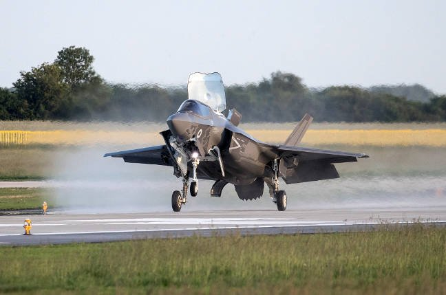 One of the UK's new F-35Bs touches down at RAF Marham after its transatlantic flight. Pic: Crown copyright/MoD