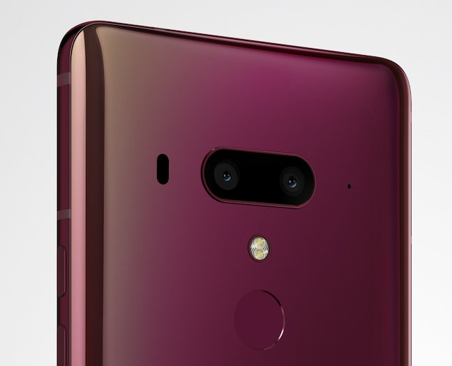 HTC U12+ official product renders