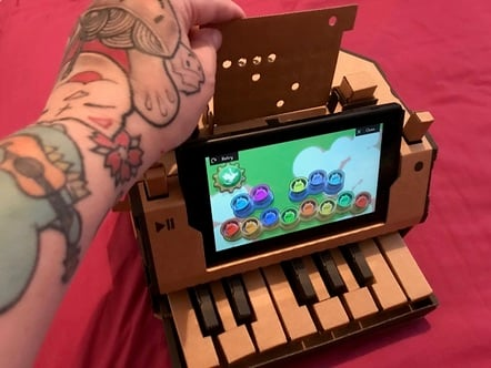 Nintendo Labo's cat piano