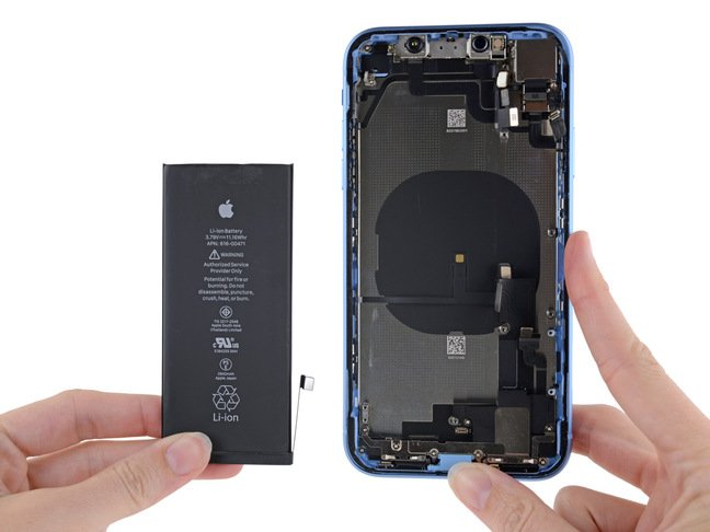 iPhone XR with battery removed