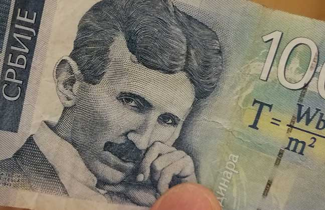 Nikola Tesla portrait on Serbian 100 dinar note