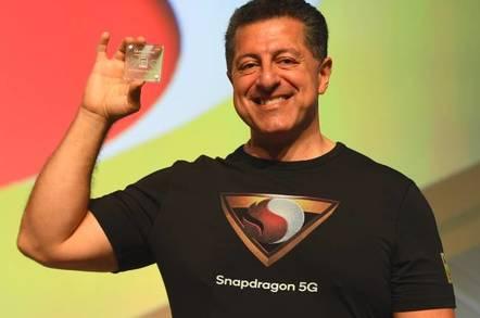 Alex Katouzian, SVP and GM, Mobile, Qualcomm Tecnhnologies, Inc Shows off the Company's New Snapdragon 855 Mobile Platform with 5G