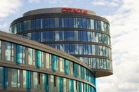 Oracle company logo on HQ in Prague, Czech republic.  josefkubes / Shutterstock.com