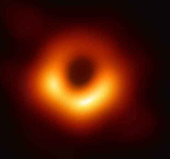 Black_hole_650