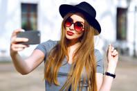 model_selfie