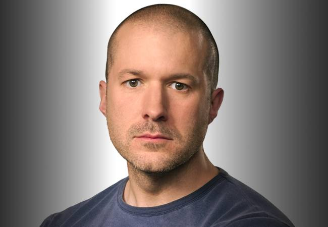 Johny Ive: The Man Who Designs iPhones Quits Apple After 30 Years