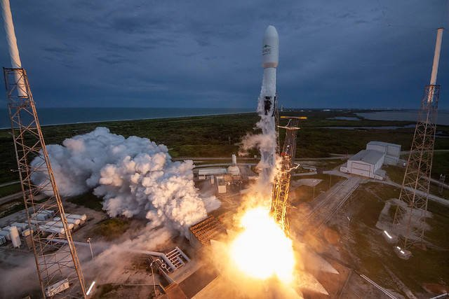 SpaceX Falcon 9, Atlas V and Ariane 5 soar while Vector returns to Earth with a bump