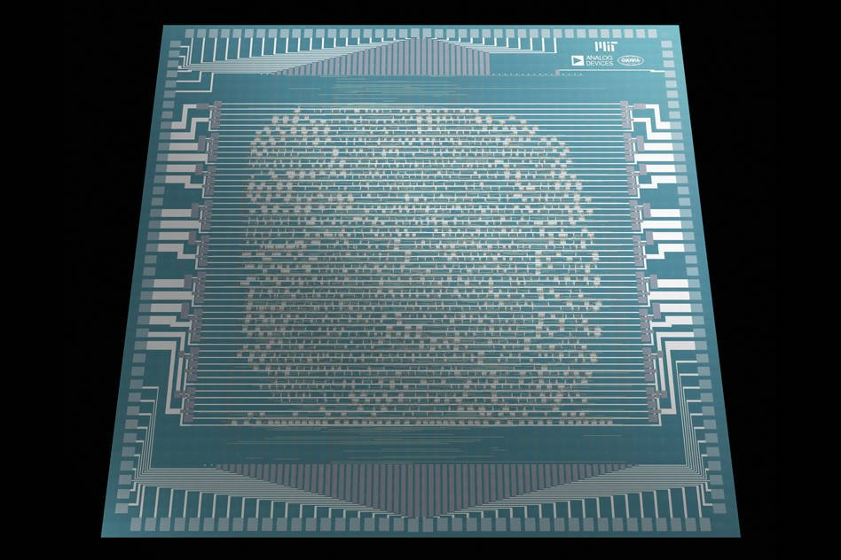 A carbon-nanotube RISC-V CPU blinks into life. Boffins hold their breath awaiting first sign of life... 'Hello world!'