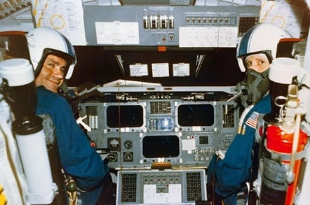 Space Shuttle Enterprise Cockpit (pic: NASA)