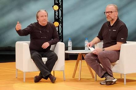 Linux Torvalds and Dirk Hohndel at the Open Source Summit in Lyon