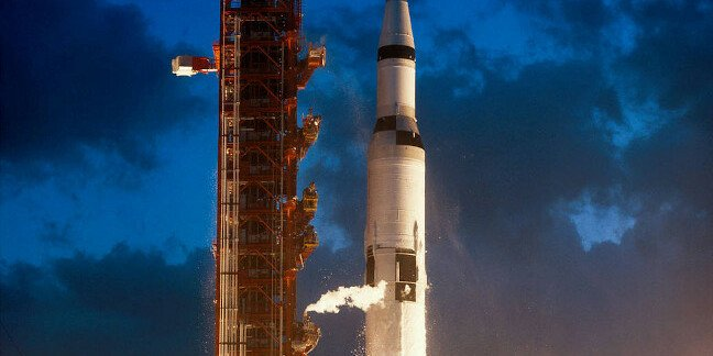 SATURN V AND APOLLO 4 1967. PIC: NASA