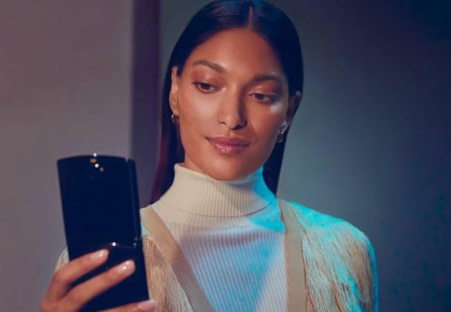 No Motorola Razr comeback orders in 2019: Costly foldy nostalgia mobe pulled back - The Register