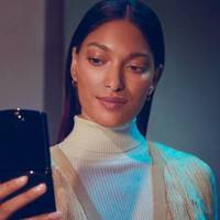Still from Verizon / Motorola's 2019 Razr promo video