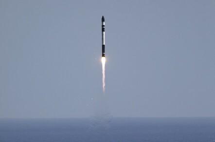 Electron Lift Off (pic: Rocket Lab)