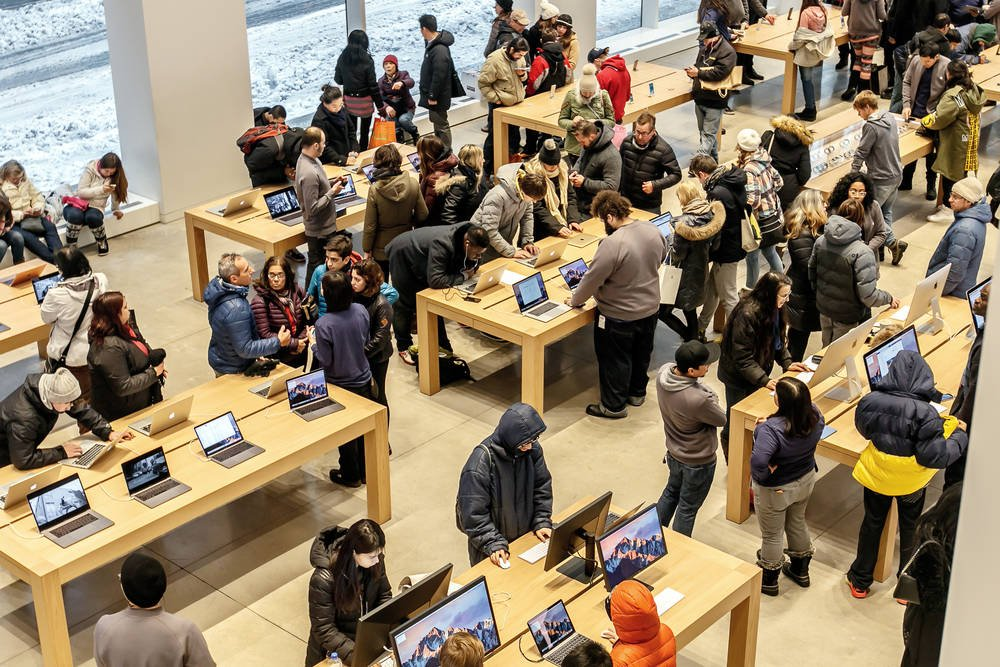Court orders Apple to pay employees for bag searches