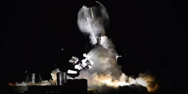 A still from a NASA Spaceflight video of the Starship SN1 prototype exploding
