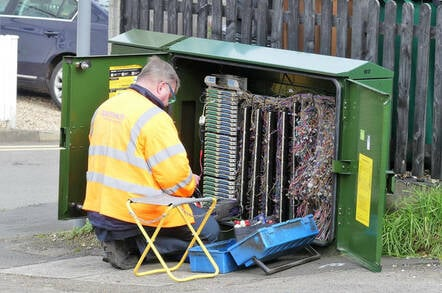 openreach engineer - cabinet