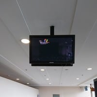 Reader spots Windows XP, Mariscal Lamar International Airport