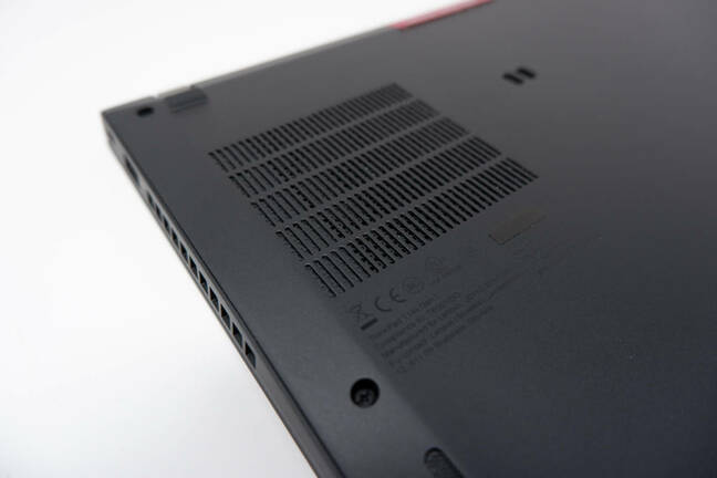 ThinkPad T14s AMD Gen 1 review - rear shot