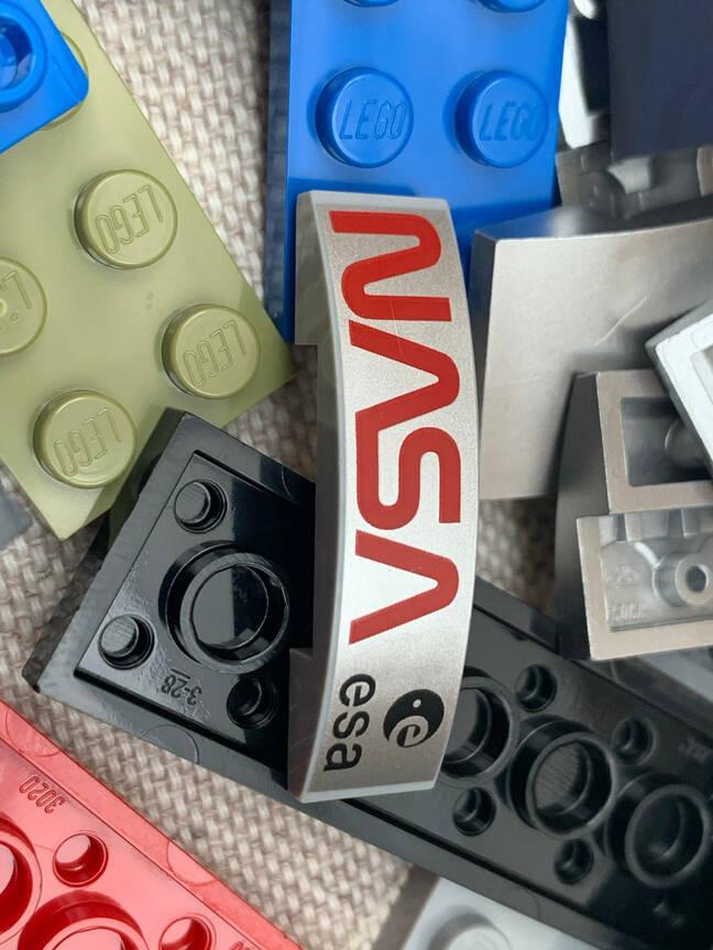 Discovery shuttle set - Hubble parts