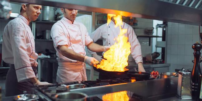 Line cook reads bump bar