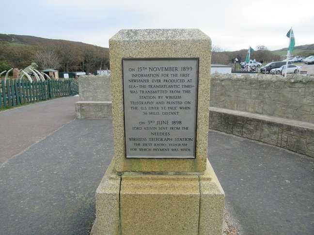 Alum Bay - Marconi memorial with dinosaur in background © SA Mathieson