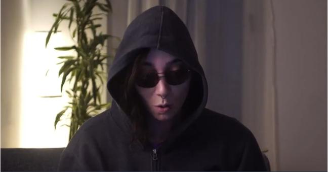 Tilt's Ellen Körbes poses as a Kubernetes hacker at Kubecon Europe