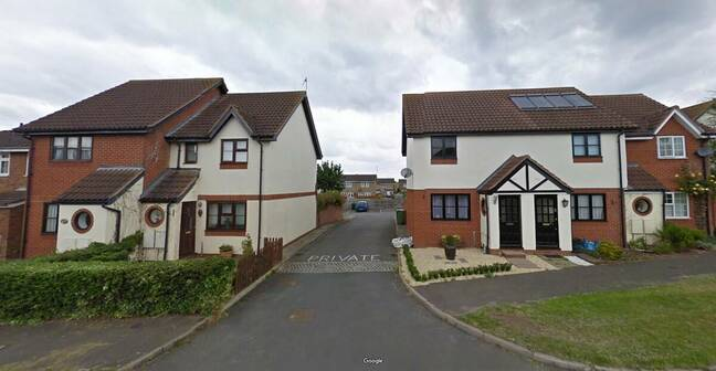 Cromwell Avenue, Thame. Google Street View